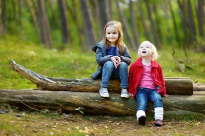 Kids Forest - sitting on log